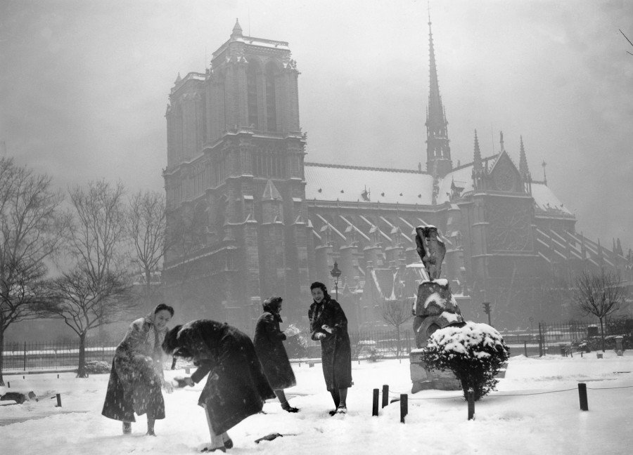 1496737_At_play_in_the_snow_in_December_1938..jpg