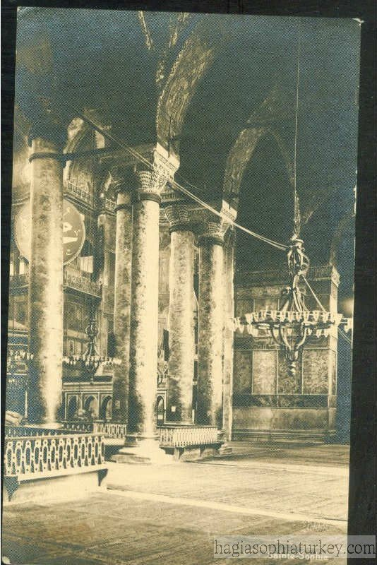 Interior-of-Hagia-Sophia-Year-1930.jpg