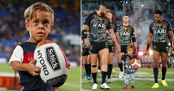 bullied-schoolboy-with-dwarfism-quaden-bayles-walks-onto-pitch-with-rugby-heroes.jpg