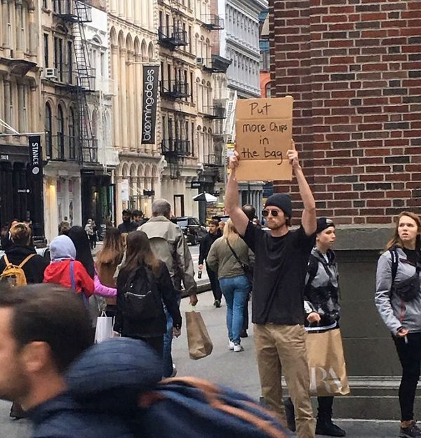 guy-protesting-randon-things-dudewithsign-1-18-5df09be763c6a_700.jpg