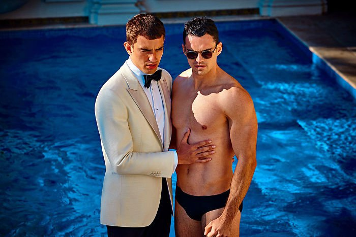 men-kissing-ad-suitsupply-2018-spring-summer-campaign-13-5a951034156c6-700.jpg